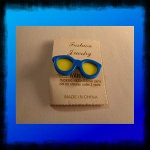 Jewelry - Vintage Retro Sunglass Brooch pin
